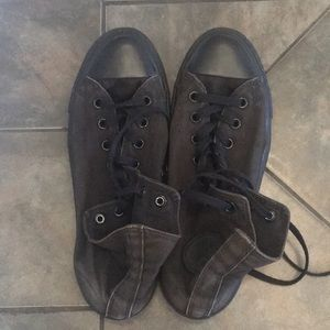 Used Black Converse Size 11